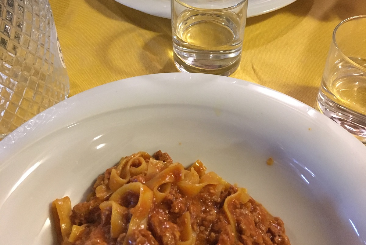 Where to eat in the Navigli of Milan: 5 restaurants everyone will enjoy