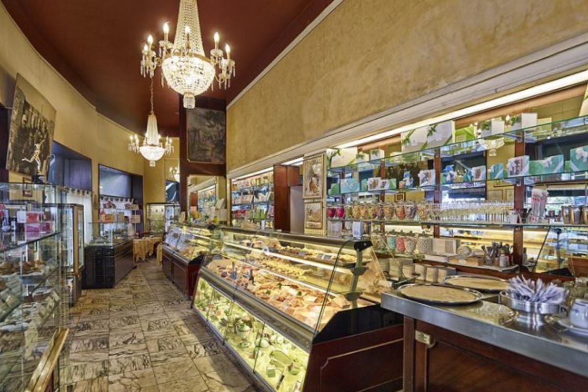 Merenda da sciura pasticceria storica a Milano Cucchi